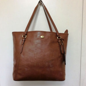 Coach leatherTote gently used